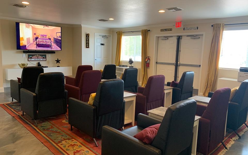 Movie_Room